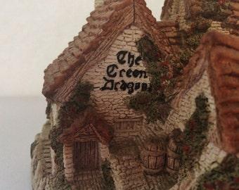Collectible David Winter Cottage Green Dragon Pub 1983 (Retired 1996)
