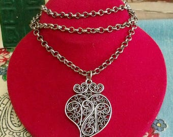 Heart of Viana silver filigree Portuguese necklace small
