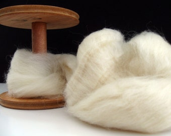 Ecru/Undyed/Natural Wensleydale wool roving (combed top), spinning fiber - 4 ounces