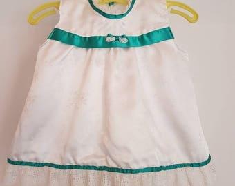 Vintage pinafore /apron