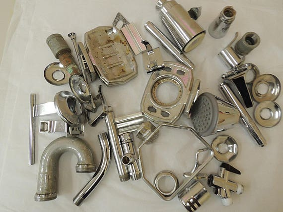 Vintage Mixed Metal Salvage Hardware Chrome Plumbing Pieces For Assemblage Art Sculpture & Craft Supply.. Huge 7 lb Lot (#4)
