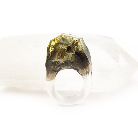 Smoke Lichen Resin Ring • Size 4.5
