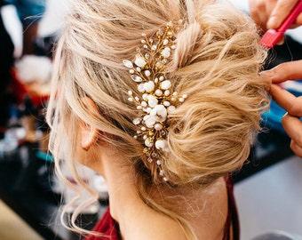 Bridal hair comb Wedding hair comb Crystal hair comb Pearl bridal hairpiece Gold hair vine Flower comb Pearl hairpiece bridal hairpiece