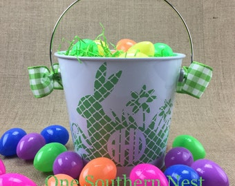 Small personalized green and white Easter basket, Easter bucket, Easter pail with circle monogram.