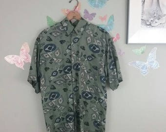 Vintage 80s 90s men's graphic print button down shirt - olive green - abstract print