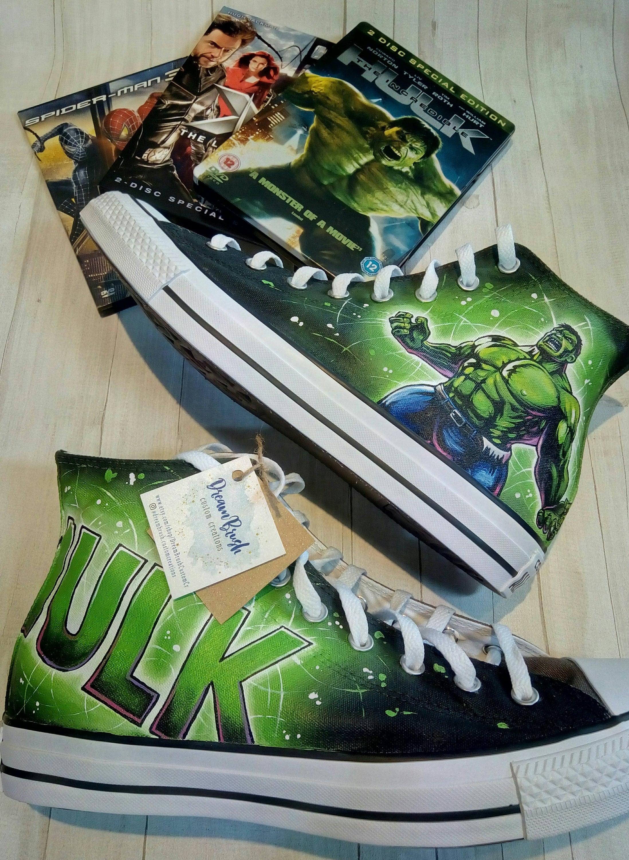 la main personnalisée Hulk peint chaussures Converse, la converse Hulk, chaussures, converse Marvel, bande dessinée de chaussures, Hulk, l'incroyable Hulk, super héros d'inspiration art 4a5b99