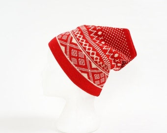 Shop SALE Vintage 1980s Womens Size Small Hat / Wool Knit Beanie Winter Hat VGC / Red White Geometric Pattern