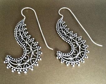 Silver Spiral earrings,Bohemian Jewelry,Filigree Silver long hooks,BOHO EARRINGS,Tribal minimalist earrings,Indian