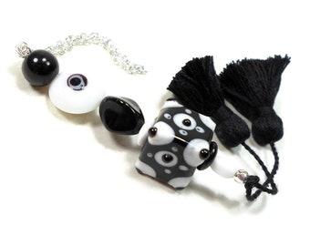 Black White Scissor Fob, Scissor Minder, Scissor Keeper, Beaded Key Fob, Black Tassel, Needlepoint, Quilting, Sewing Accessory Cross Stitch