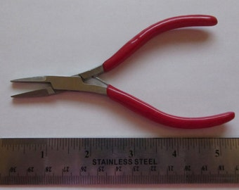 "5"" Flat Nose Pliers"