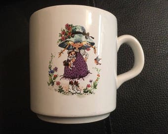 vintage 1970's  HOLLY HOBBIE STYLE cup - girl Purbeck Style Although Not Marked