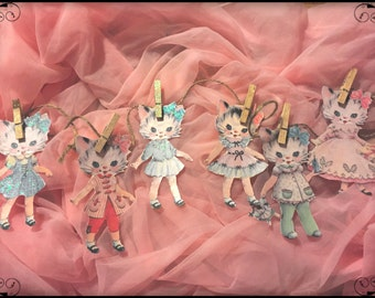Paper Dolls & Figurines