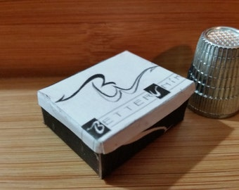 DS-17   Miniature Better Nike shoe box   for Barbie, dollhouses and collectors