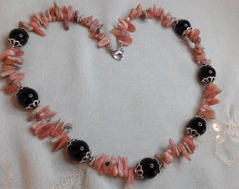 Piece of rhodochrosite and Perle Noire necklace