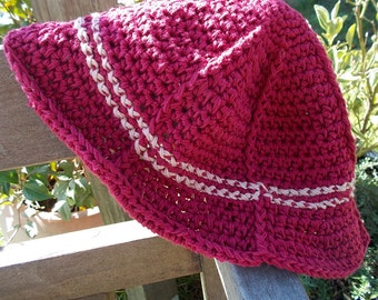Crocheted summer hat, 100% cotton. burgundy with pale rose trim