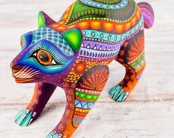 A1327 Raccoon Alebrije Oaxacan Wood Carving Painting Handcrafted Folk Art Mexican Craft