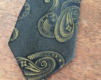 Vintage Tie, Skinny Tie, Green Gold Necktie, 1960s Style Thin Tie Mid Century Office Wear Vintage Suit Accessory