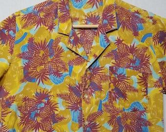 1970s Hawaiian Shirt / S - M / Pineapple / Floral / Vintage Hawaiian Shirt / Jamaica / 1970s Mens Fashion / Luau / Beach / Party Shirt