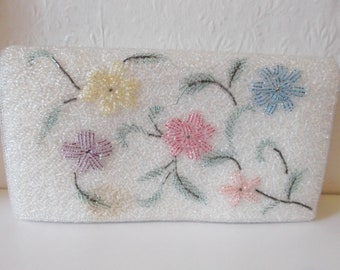 Vintage 1950s White Flower Beaded Clutch Bag Wedding Purse