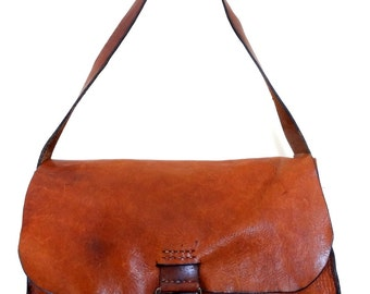 Amazing Rugged distressed leather bag