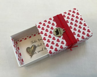 Mama Bear Message Box with Heart Token and Fabric Gift Bag