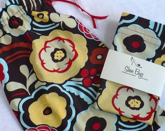 Mocca shoe bags for travel, chocolate, aqua, red