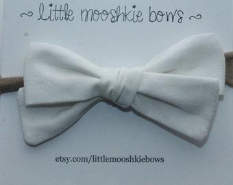 Hand Tied Gracie bow ~ White~Girls Hair Bow~Fabric Bow~Baby Bows~Hand Tied Bow~Baby headband ~baby girl ~toddler girl