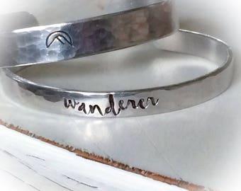 Tendance à vagabonder montagne - wanderer - - fabriquées à la main bracelet en argent - Christian Jewelry - bracelet de la foi