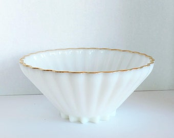 """Vintage Milk Glass Serving Bowl - White Scalloped Design with Gold Edge - Width 11"""""""