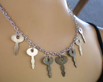 Steampunk key necklace, Key fringe necklace, Diary keys, Steampunk necklace, Re-purposed jewelry, Up-cycled jewelry, Recycled jewelry