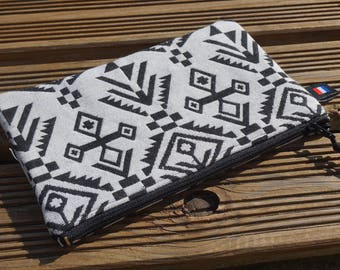 Ethnic clutch, black and white