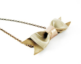 Beige bow necklace, leather bow necklace, nude leather necklace, cute bow jewelry, minimal jewelry, pastel bow necklace, teenager jewelry