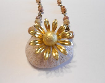 Daisy Pin Necklace Beige Beads Necklace Soapstone Beads Vintage Daisy Pin Vintage Daisy Brooch Goldtone Pendant Chain Necklace