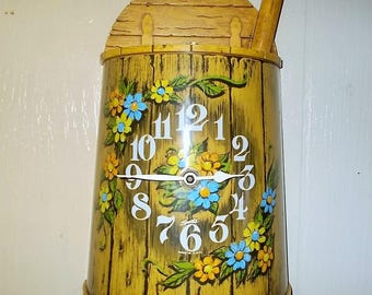 Vintage Electric Spartus Butter Churn Wall Clock