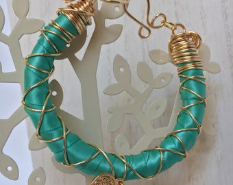 Light green bracelets pack of 3