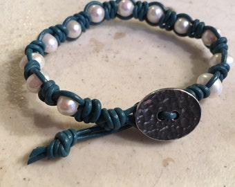 Dark Turquoise Bracelet - Teal Macrame Jewelry - White Pearl Gemstones - Leather - Fashion - Trendy - Beaded - Button