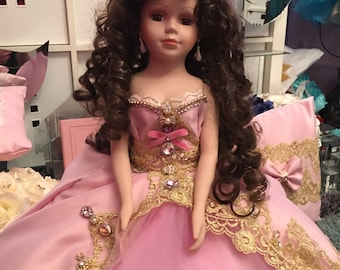 Dusty pink/ gold last doll