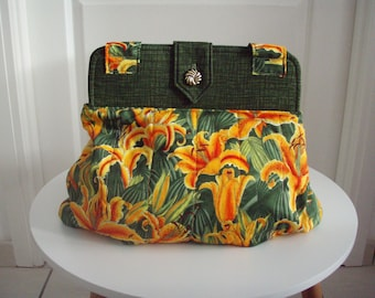 Large shoulder bag in first quality fabric