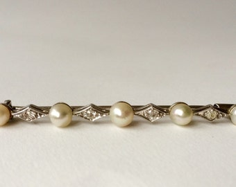 Antique broche with oriental pearls and diamonds S18