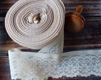 "Vintage roll of beige/ecru lace - 7.5 cm / 3"" wide, many metres"