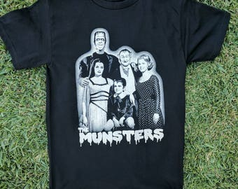 NEW †The Munsters† Family t shirt