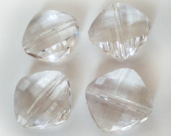 10pcs - 16mm Faceted Clear acrylic beads