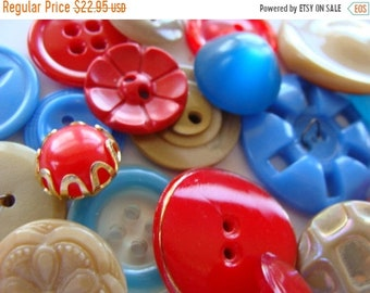 ONSALE 2 Dozen Antique and Vintage Fancy Glass Buttons Lot 190