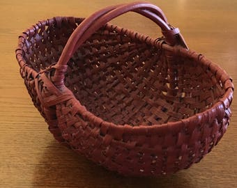 Vintage Split Oak Buttocks Basket Short Twisted Twig Handle Red Woven Wicker Egg Basket  Farmhouse Rustic Country Decor