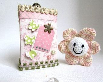 Teacher thank you! crochet flower Keyring with gift box