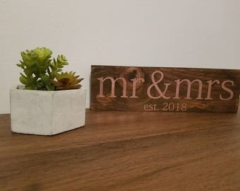 Mr and Mrs Wedding Sign | Wedding Sign | Wooden Wedding Sign | Rustic Wedding Decor | Bridal Shower Gift | Anniversary Gift