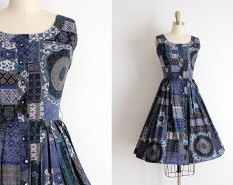 CLEARANCE vintage 1950s dress // 50s cotton mid century print day dress