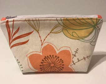 Peach Floral Make up Bag, Small Cosmetic Bag, Small Toiletry Bag, Zipper Pouch, Travel Bag, Gift for Her, Gift for Mom, Toiletry Bag