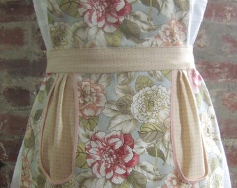 Adorable Spring, full apron, cute and functional!