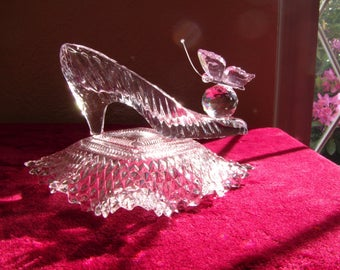Butterfly Wedding Cinderella Glass Slipper with Crystal Butterfly & Glass Pillow, Baby Bridal Shower Sweet 16 and Birthday Party Centerpiece